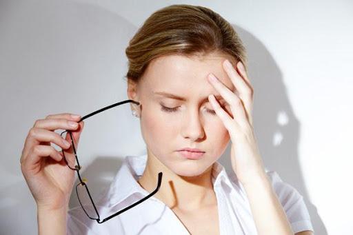 Lo lắng trầm cảm dẫn đến rụng tóc