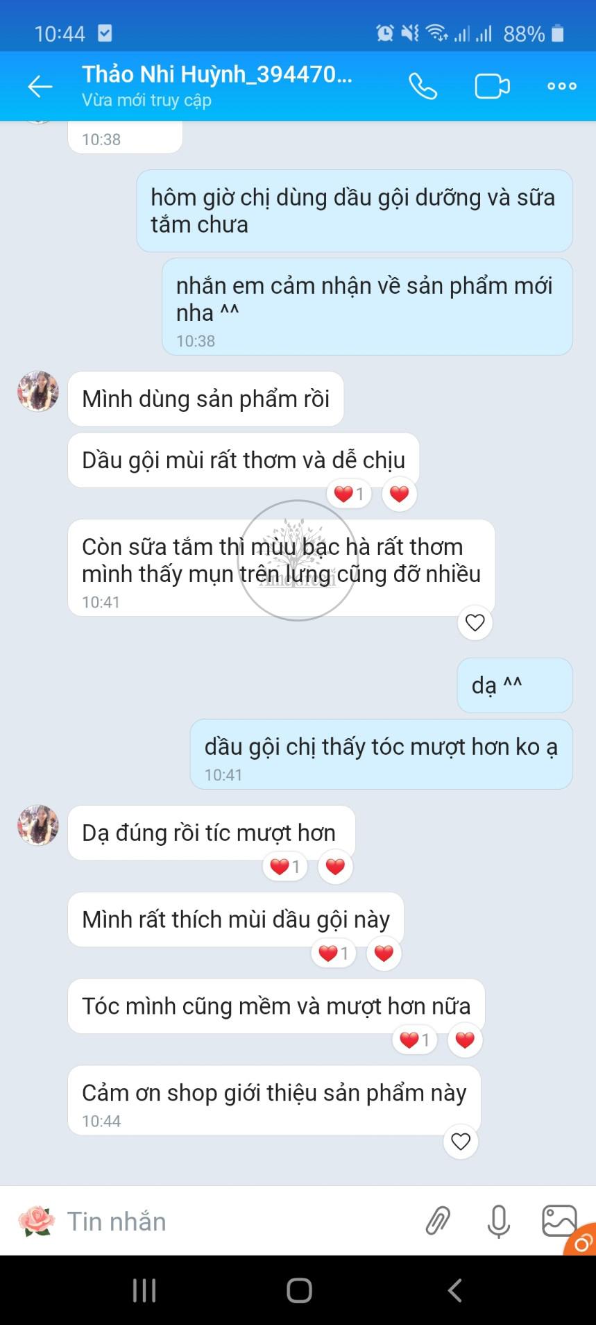 Thao-nhi-review-dau-goi-buoi-tri-rung-toc-amegreen